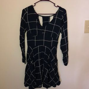 Geometric Abercrombie & Fitch long-sleeved dress